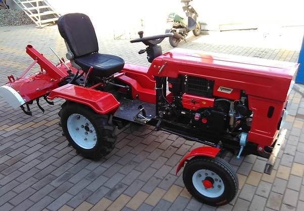 Трактор ХТЗ-012