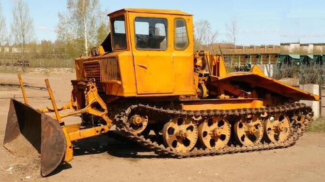 Трактор ЛХТ-55