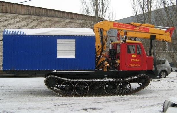 Трактор ТСН-4 с буровой установкой