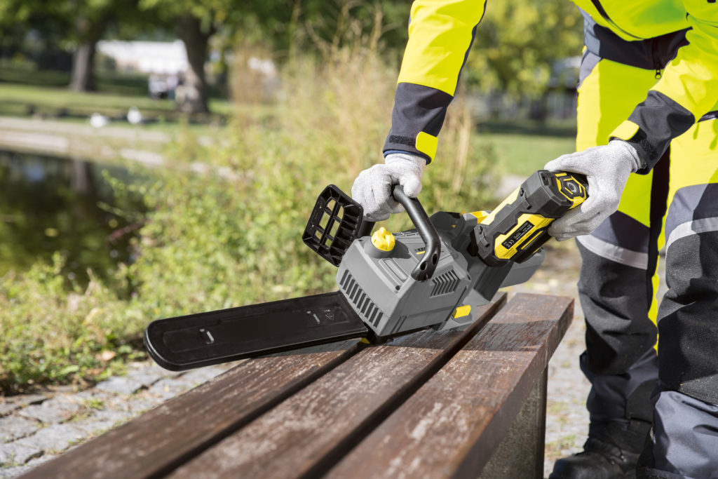 пила Karcher CS-330BP