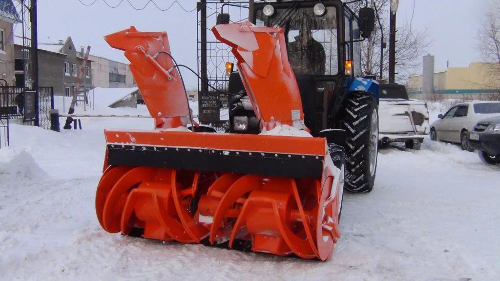 чистка снега триммером