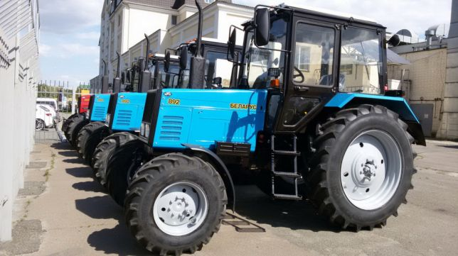 Трактор Беларус МТЗ 892